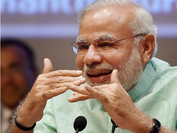 Emotional Pm Modi Gets Standing Ovation In Bjp Meet After Election Wins