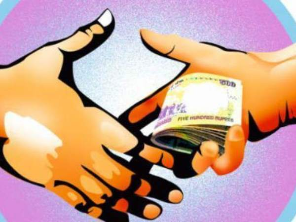Investigation Started For Asking Bribe From Pregnant Lady
