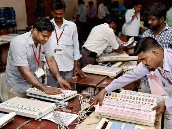 Shiv Sena Hints Evm Tampering Gujarat Election