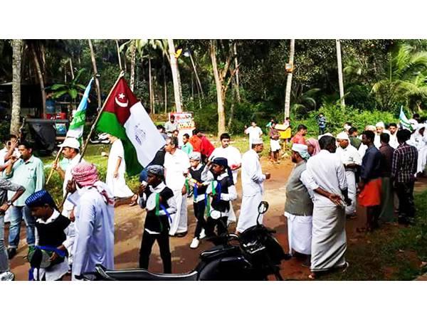Bhajana Madam Distributed Payasam To Nabhidhina Rally Participants
