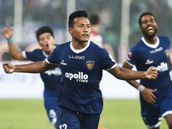 Chennai Beats Kolkata In Isl Thriller