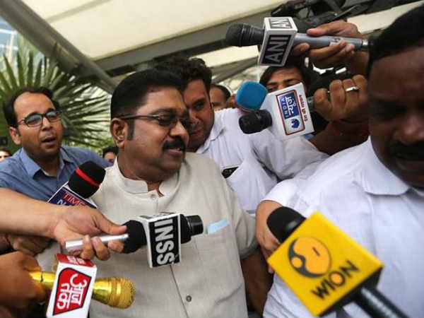Ttv Dinakaran Takes Oath As Mla From R K Nagar