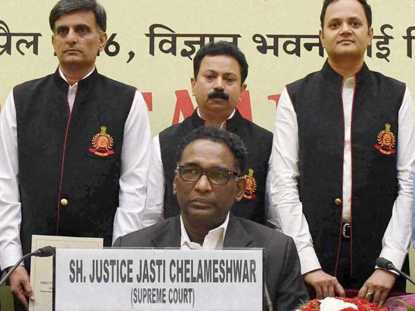Supreme Court Crisis Retired Judges Lawyers Try Broker Truceb Between Cji Colleagues