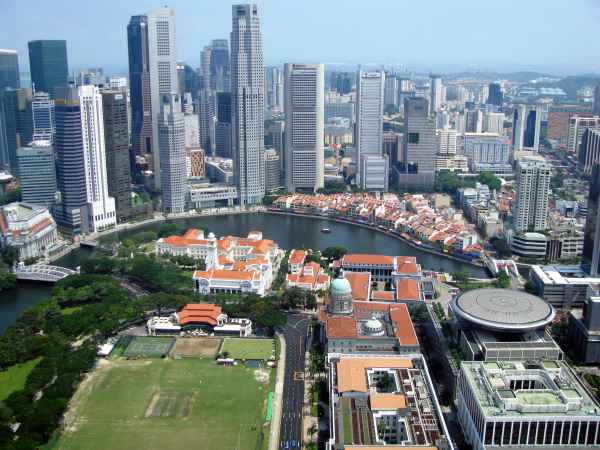 Singapore Govt Give Bonus Citizens After 2017 Budget Shows Surplus