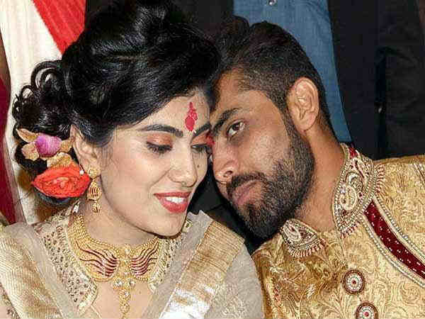 Ravindra Jadeja S Wife Riva Solanki Attacked Police Jamnagar