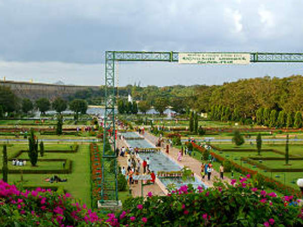 Trees Fell Down Mysore Brindavan Gardens Three Died
