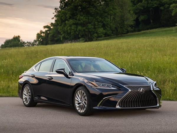 2018 Lexus Es 300h Launched
