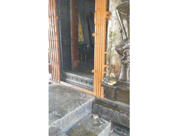 പൂജപ്പുര തമലം ത്രിവിക്രമംഗലം ക്ഷേത്രത്തിൽ മോഷണം: മുഖചാർത്തും പണവും നഷ്ടമായി