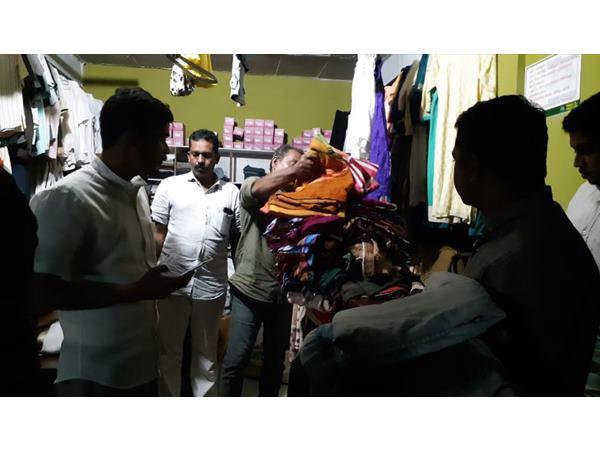ദുരിതാശ്വാസ ക്യാംപുകളിലെ രോഗികളെ ആവശ്യമെങ്കിൽ സ്വകാര്യ ആശുപത്രിയിൽ  എത്തിച്ച് ചികിത്സിക്കും