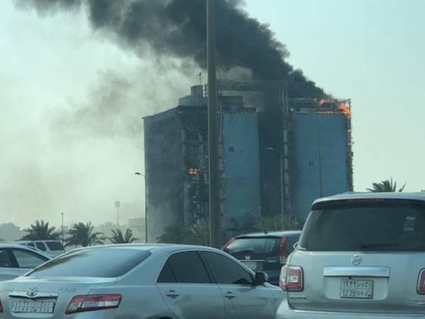 Fire Errupted In Saudi Building