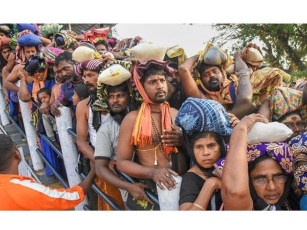 ശബരിമല സ്ത്രീ പ്രവേശനം: ദേവസ്വം ബോർഡ് തിങ്കളാഴ്ച സാവകാശ ഹർജി നൽകും