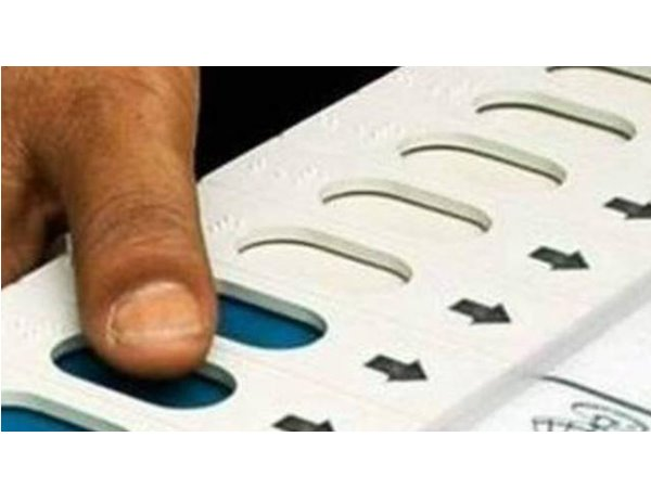 ലോക് സഭാ തിരഞ്ഞെടുപ്പ് - ഔദ്യോഗിക ഒരുക്കങ്ങള് തുടങ്ങി: ഇടുക്കിയില് 995 ബൂത്തുകള് പേരു ചേര്ക്കാന് നവംബര് 15 വരെ അവസരം