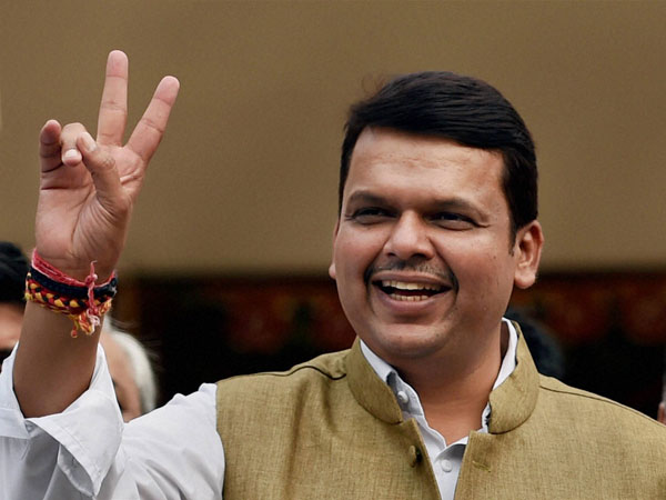 Sc Notice To Maharashtra Cm Devendra Fadnavis For Not Declaring Criminal Cases Against Him