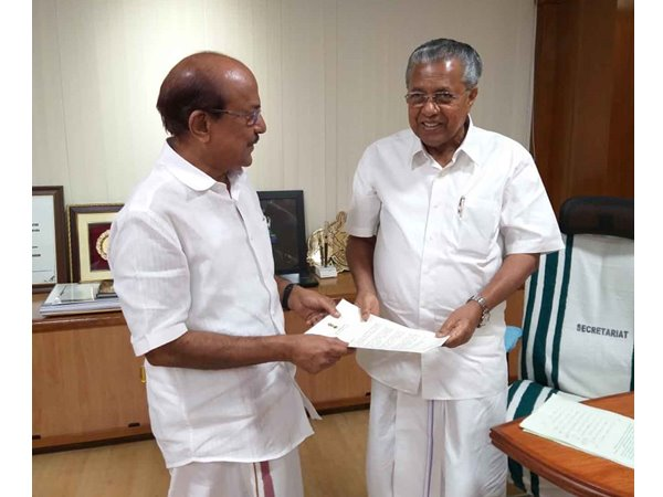 PK Kunhalikutty and Pinarayi Vijayan