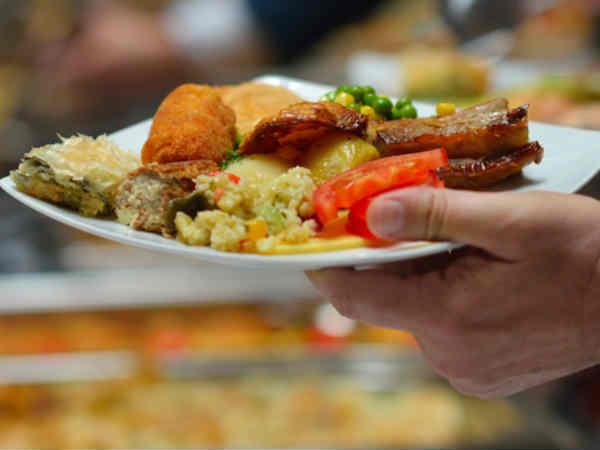 Food Outlets And Telecom Companies Targets Lok Sabha Elections 2019