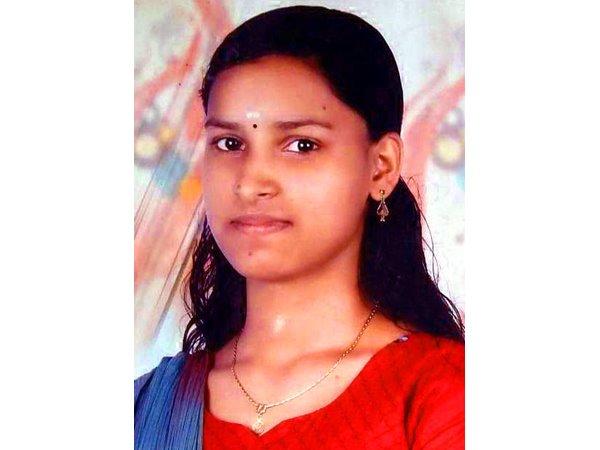 എട്ടു മാസം ഗര്ഭിണിയായ 23വയസ്സുകാരി തൂങ്ങി മരിച്ചു, സംഭവം മലപ്പുറം മൂത്തേടത്ത്