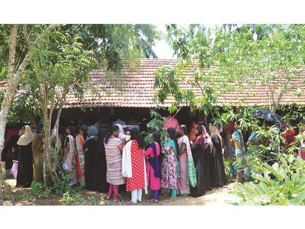 തൃശൂര് ജില്ലയില് 77.85 ശതമാനം പോളിങ്... എല്ലാ ബൂത്തുകളിലും കനത്ത പോളിങ്!