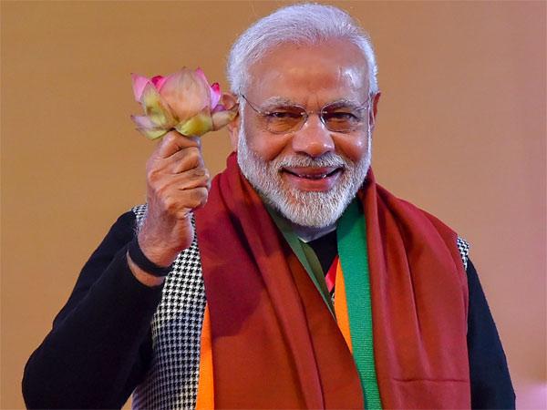 ആദ്യം ബിജെപി പ്രവര്ത്തകന്... പ്രധാനമന്ത്രി രണ്ടാമത്, വാരണാസിയില് നന്ദി പ്രകടനവുമായി മോദി!!