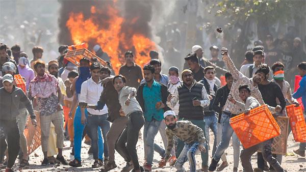 'ജയ് ശ്രീറാം വിളിച്ച് തീവച്ചു; ഞങ്ങളെയും കത്തിക്കുമായിരുന്നു, ഒടുവില് ബിജെപി നേതാവ് ഇടപെട്ടു'