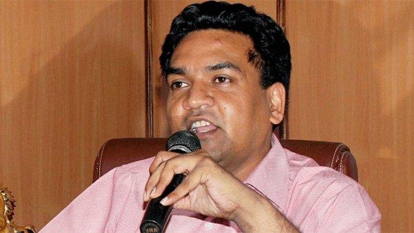 ദില്ലിയില് ബിജെപി നേതാക്കള് കുടുങ്ങി; ശക്തമായ നടപടിക്ക് കോടതി, നാല് പേര്ക്കെതിരെ കേസെടുത്തേക്കും