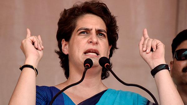 'തൊഴിലാളികളെ കഷ്ടപ്പെടുത്തരുത്' ബിജെപിയുടെ കൊടിയും സ്റ്റിക്കറും പതിക്കൂ: ക്രെഡിറ്റ് വേണ്ട: പ്രിയങ്ക