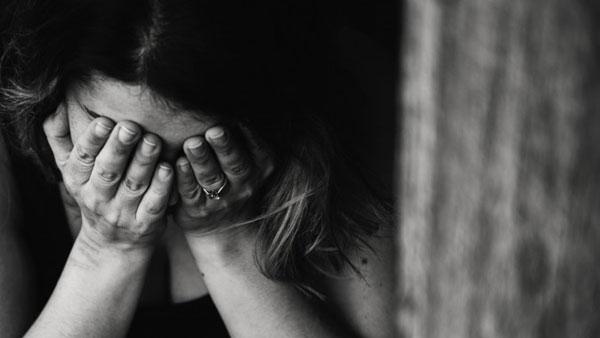 ഉത്തര്പ്രദേശില് കൂട്ടബലാത്സംഗത്തിന് ഇരയായ 19കാരി മരിച്ചു, നാക്ക് മുറിച്ചെടുത്ത നിലയിലെന്ന് ഡോക്ടർ
