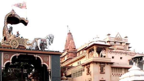 കൃഷ്ണ ജന്മഭൂമി; ഈദ്ഗാഹ് പള്ളി പൊളിക്കണം, ഹര്ജി 30ന് പരിഗണിക്കും, ഹര്ജിക്കെതിരെ സന്യാസിമാര്