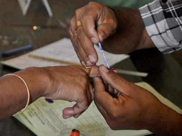 തദ്ദേശ തിരഞ്ഞെടുപ്പ്: കണ്ടെയ്ൻമെന്റ് സോണിലെ പ്രചാരണത്തിന് 20 പേരിൽ കൂടരുതെന്ന് തിരുവനന്തപുരം കളക്ടർ