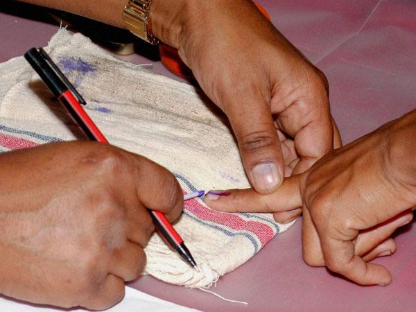 ഏറ്റവുമധികം സ്ത്രീ വോട്ടര്മാര് കുന്നത്തൂരില്; കുറവ് കൊല്ലത്ത് ജില്ലയില് 2093511 വോട്ടര്മാര്