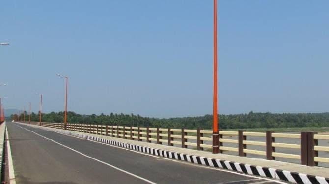 ചേരാനല്ലൂര് - ഏലൂര് - ചൗക്ക പാലത്തിന്റെ നിര്മ്മാണത്തിനായി 11 കോടി 70 ലക്ഷം രൂപയുടെ ഭരണാനുമതി