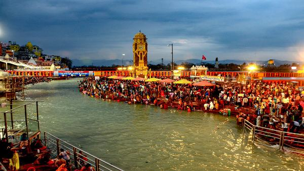 ഹരിദ്വാറിലേക്ക് വിശ്വാസികള് കൂട്ടത്തോടെ... നിയന്ത്രണം കടുപ്പിച്ച് സര്ക്കാര്, ഗംഗ സ്നാന് ഒഴിവാക്കി
