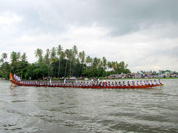 ഉത്രട്ടാതി വള്ളംകളി മത്സരമായി നടത്തില്ല: തിരുവോണ തോണി വരവേൽപ്പിന് 40 പേർക്ക് അനുമതി