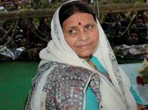 Many Bihar Ready Slit Pm S Throat Chop His Hand Says Rabri Devi