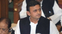 Akhilesh Announces Samajwadi Party Goes Alone In State Polls