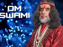 Bigg Boss 10 Swami Om Allegedly Touched Sunny Leone Inappropriately