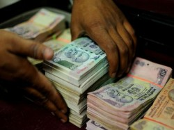 Deposited Rs 10 Lakh Or More Bank Account After Nov 8 Needs Reveal Source Of Income Next 15 Days