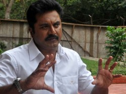 Sarath Kumar Against Rajinikanth Joining Politics