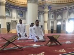 British Boxer Sparks Anger Over Photo In Mosque