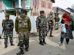 Stone Pelting Pak Flag Waving Youths Clash With Security Forces Kashmir