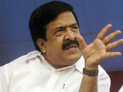 Chennithala To Start Fastnig In Question Paper Controversy