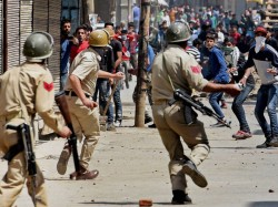 Pakistan Instigating Kashmiri Youth Pelt Stones At Security Forces Using Social Media Platforms