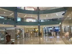 Blackout Leaves The Dubai Mall Shoppers Dark