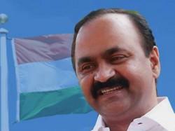 Vd Satheesan Face Book Post Against Desabhimani