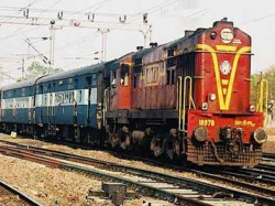 Train Getting On The Wrong Track In Eranakulam Create Trains Delay