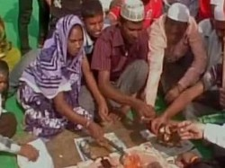 Rss Men Convert 43 Muslims Uttar Pradesh Hinduism