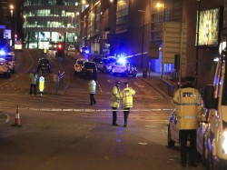 Uk Raises Threat Level Maximum Army Deployed After Manchester Attack