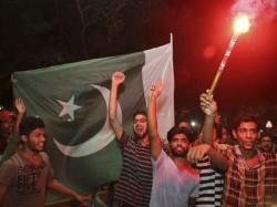 India Vs Pakistan Champions Trophy Final Pakistani Anchor Goes Berserk Narendra Modi