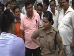Uttar Pradeshs Woman Cop Stands Up To Bullies Tells Them She Is Doing Her Job
