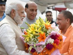 Narendra Modi Government Bans Bouquets Now States Can Use Only These Items To Greet Pm