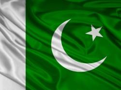 Pakistan Hoist Its Tallest Flag At Wagah
